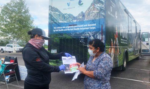 RFTA bus and Movimiento en Bici staff